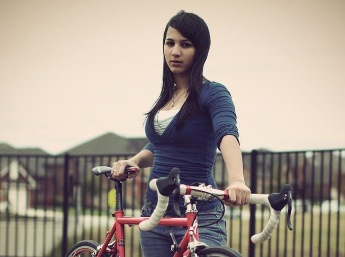 ロードバイクと女性